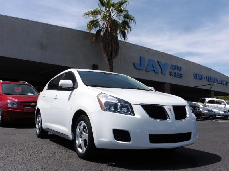 2009 Pontiac Vibe 4dr HB White Black 83000 miles Stock 415215 VIN 5Y2SP67879Z415215