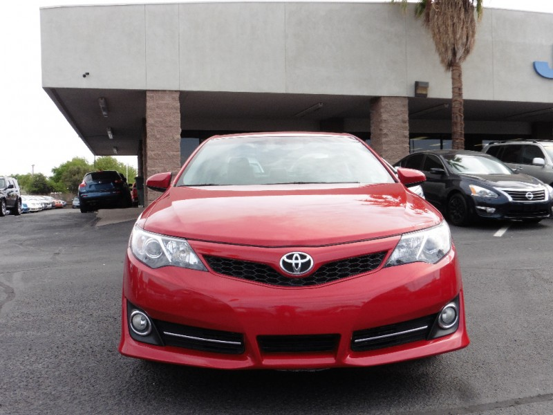 2014 Toyota Camry 4dr Sdn I4 Auto SE Natl Ltd A Red Gray 36000 miles Stock 801852 VIN 4T