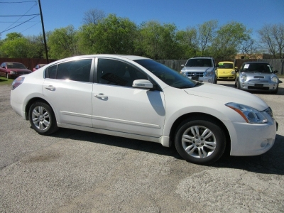 Nissan Altima 500.00 total down all credit 2012