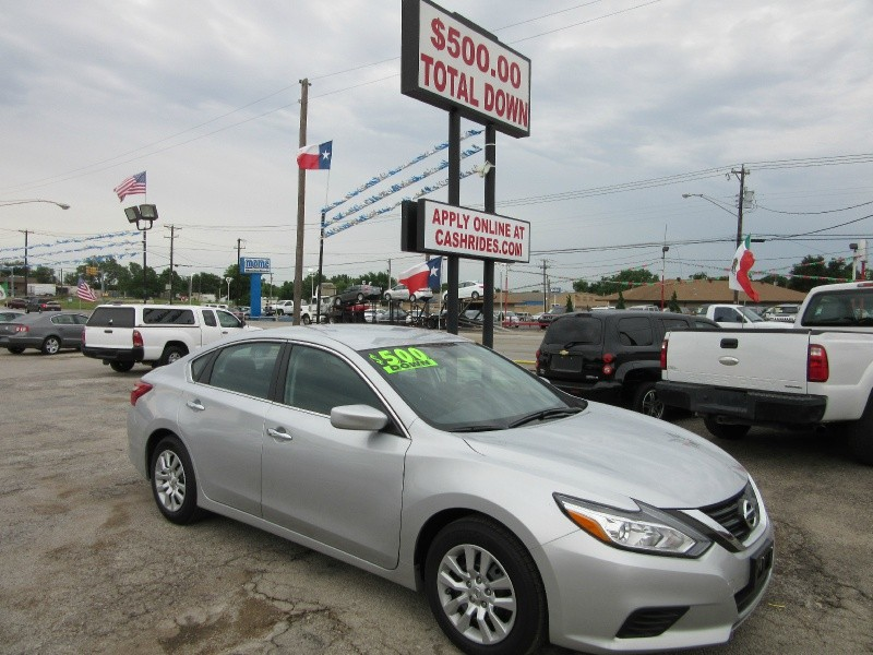 Nissan Altima 500.00 total down 2016