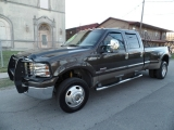 Ford Super Duty F-350 DRW Lariat FX4 2006