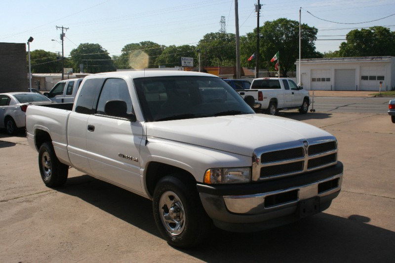 1999 dodge ram 1500 2dr club cab 139 wb inventory terry 39 s motors auto dealership in ft. Black Bedroom Furniture Sets. Home Design Ideas