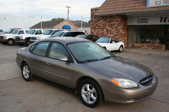2003 Ford Taurus 4dr Sdn Se Standard Inventory Terry 39 S Motors Auto Dealership In Ft Worth
