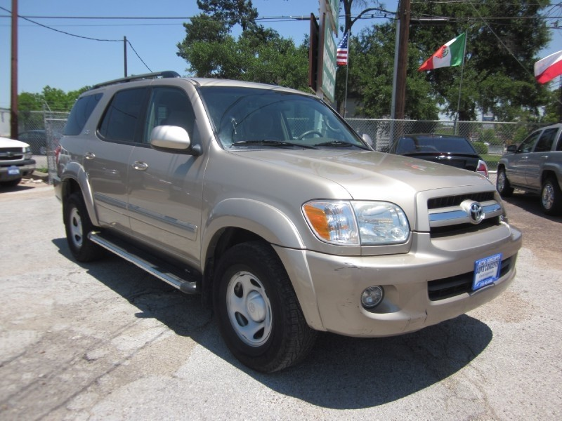 2005 Toyota Sequoia 4dr SR5 Convenience Package Sequoia Platinum 6-Speed Automatic Electronic 4W