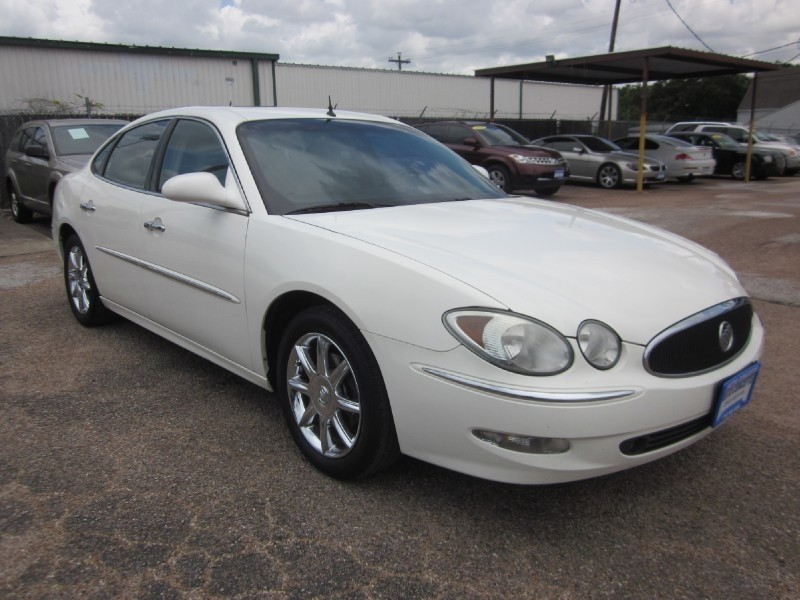 2005 Buick LaCrosse CXS 4dr Sdn Six-passenger seating availability supremely quiet ride powerful