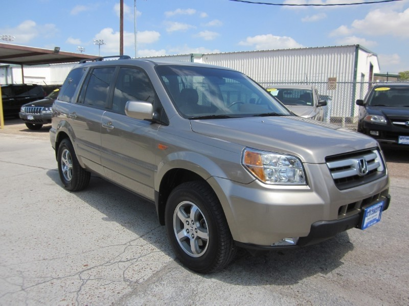 2007 Honda Pilot 2WD 4dr EX-L According to reviews the 2007 Honda Pilot is a great bang for your b
