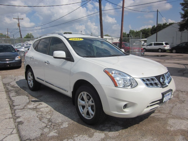 2011 Nissan Rogue FWD 4dr SV White Gray 42986 miles Stock 7293 VIN JN8AS5MT5BW164199