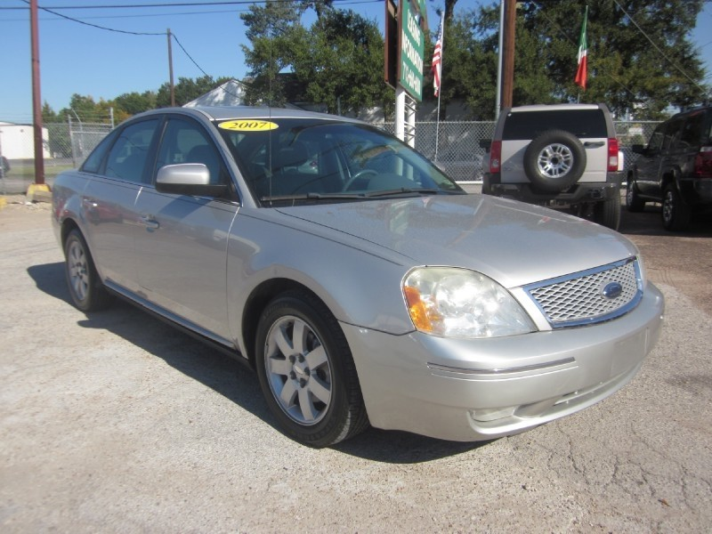 2007 Ford Five Hundred 4dr Sdn SEL FWD Silver Gray 98913 miles Stock 7338 VIN 1FAFP24147G1