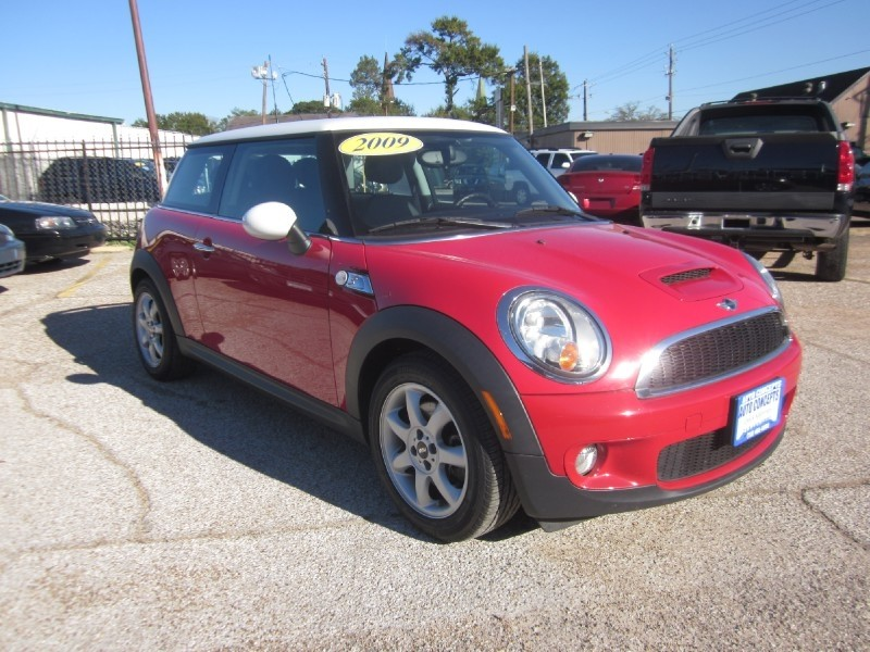 2009 Mini Cooper Hardtop 2dr Cpe S Red Black 58320 miles Stock 7401 VIN