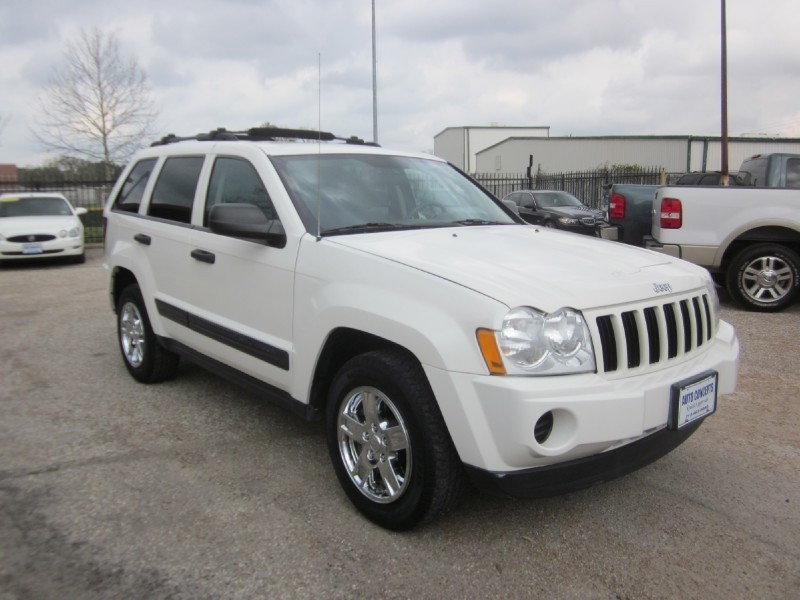 2006 Jeep Grand Cherokee 4dr Laredo White Gray 80256 miles Stock 7574 VIN 1J4GS48K66C32252