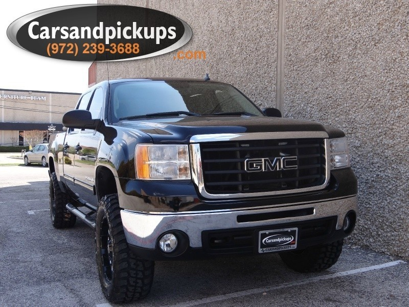 2007 GMC Sierra 2500HD 4WD Crew Cab SLE Leather  1 OwnerClean CarfaxCrew Cab2500 HDBra