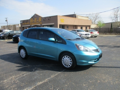 Honda Fit  500.00 total down all credit 2013