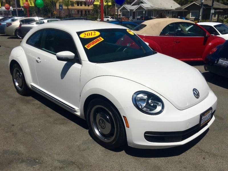 2012 Volkswagen Beetle 2dr Cpe Auto 25L PZEV 30700 miles Stock 632130 VIN 3VWJP7AT4CM632130