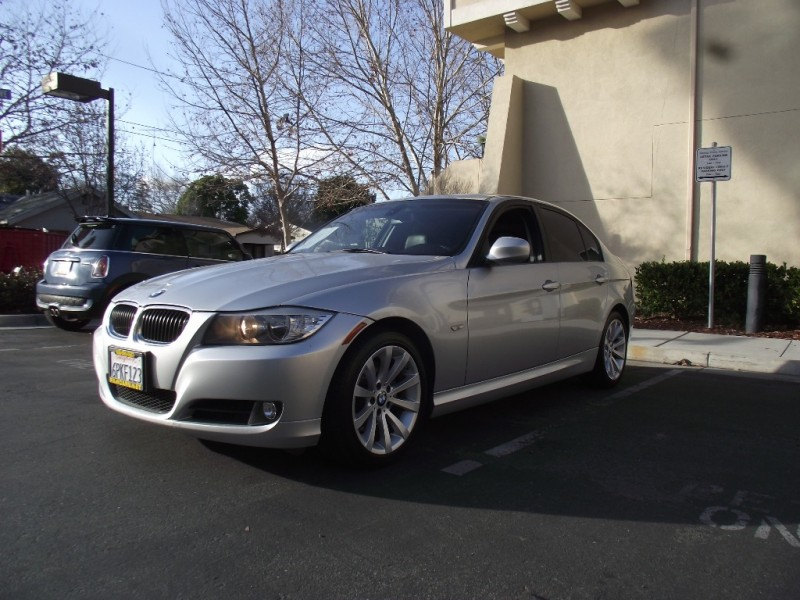 2011 BMW 3-Series 4dr Sdn 328i RWD SULEV Top Condition Silver Black 107888 miles Stock M7834