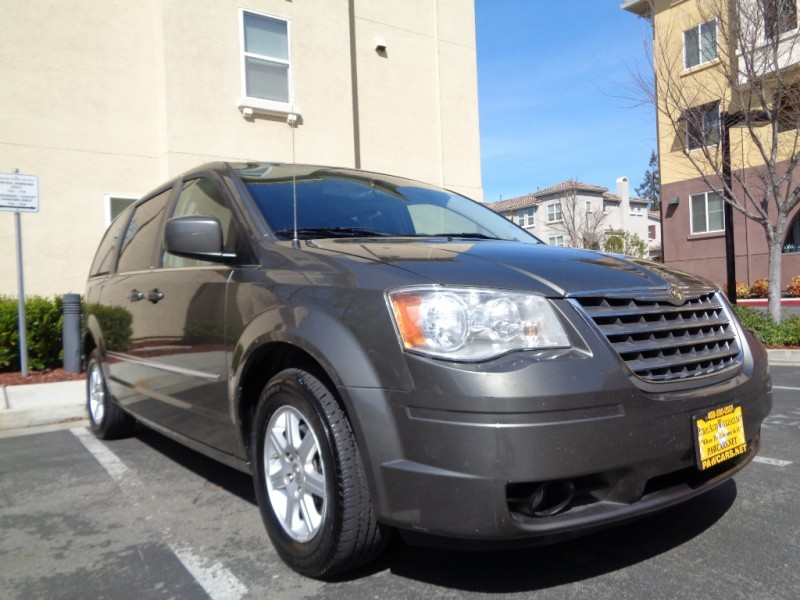 2010 Chrysler Town  Country 4dr Wgn Touring 114300 miles Stock 324286 VIN 2A4RR5D19AR32428