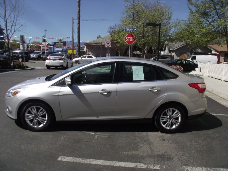 2012 Ford Focus 4dr Sdn SEL Silver 70500 miles Stock 417433 VIN 1FAHP3H21CL417433