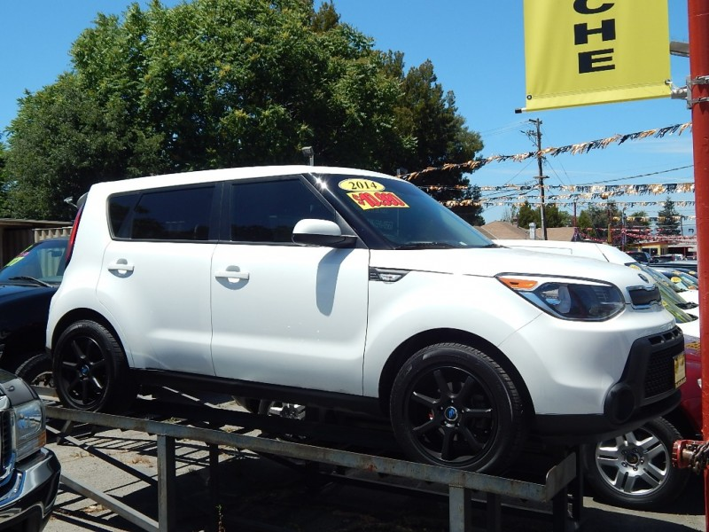 2014 Kia Soul 5dr Wgn Auto Base White 90200 miles Stock 010675 VIN KNDJN2A24E7010675
