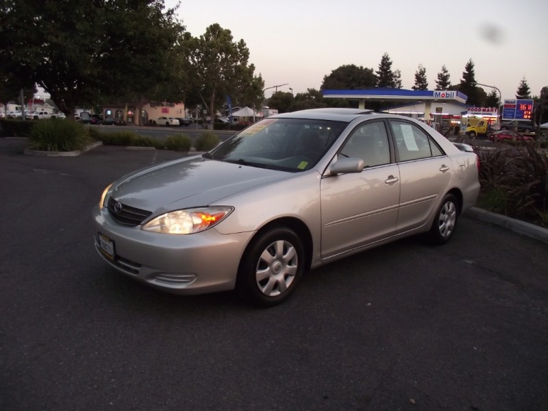 2003 Toyota Camry 4dr Sdn LE This 2003 Camry Le is truly the nicest one you will ever findIt look