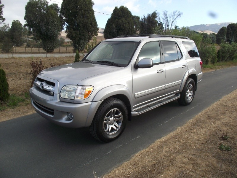 2006 TOYOTA SEQUOIA 4DR SR5 (NATL)