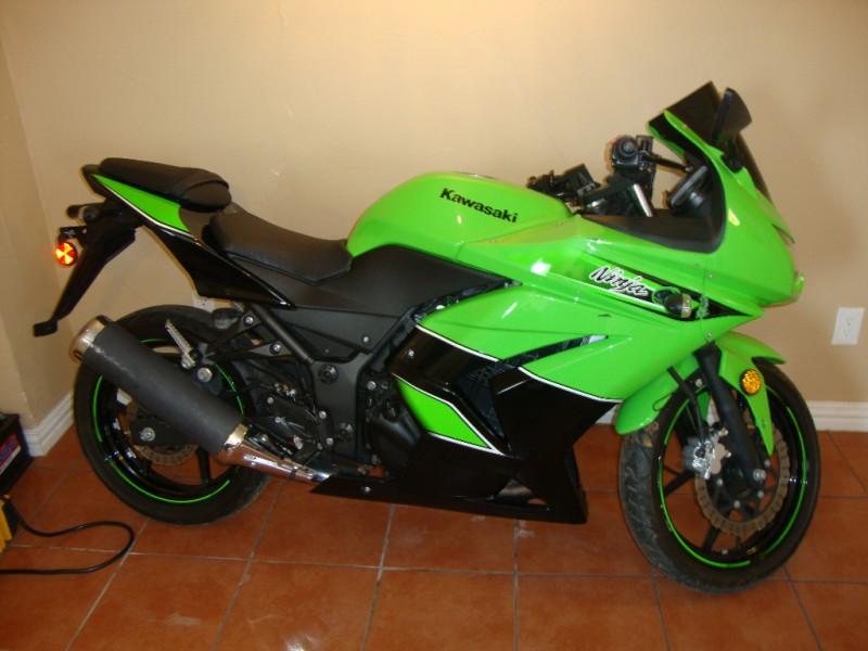 2011 Kawasaki Ninja 250 Se Green Special Edition