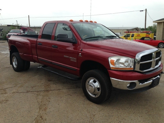 2006 Dodge Ram 3500 4dr Quad Cab Drw 4wd Slt 6 Speed