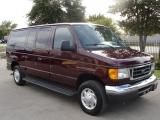 Ford Econoline Wagon E-150 XL 2007