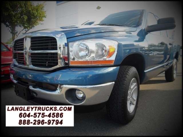 2006 Dodge Ram 1500 SLT QUAD CAB 4X4 WITH LOW KMS HEMI