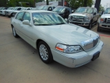 Lincoln Town Car Signature Series 2006