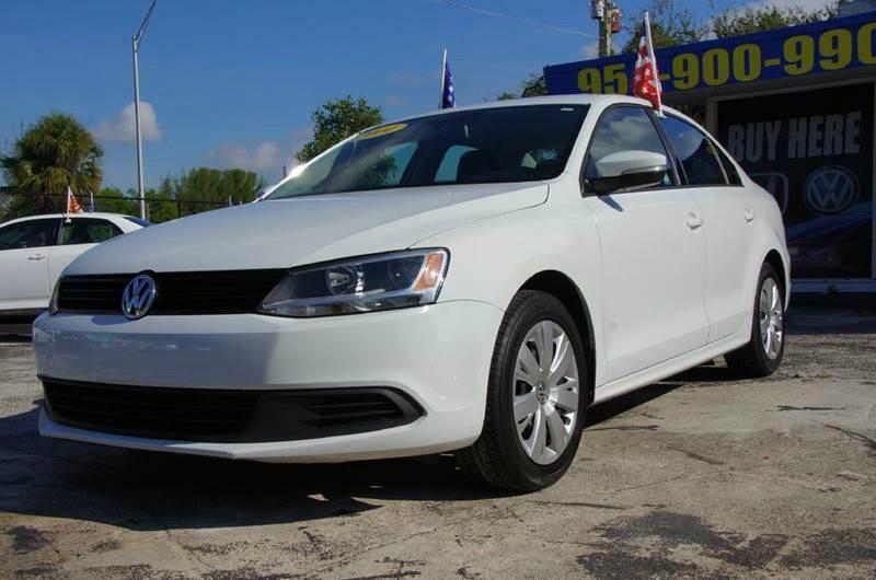 Volkswagen Jetta SE Sedan 2014