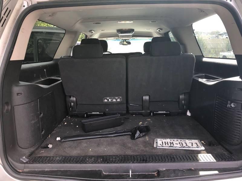 Chevrolet Suburban LS 1500 4x2 4dr SUV 2011