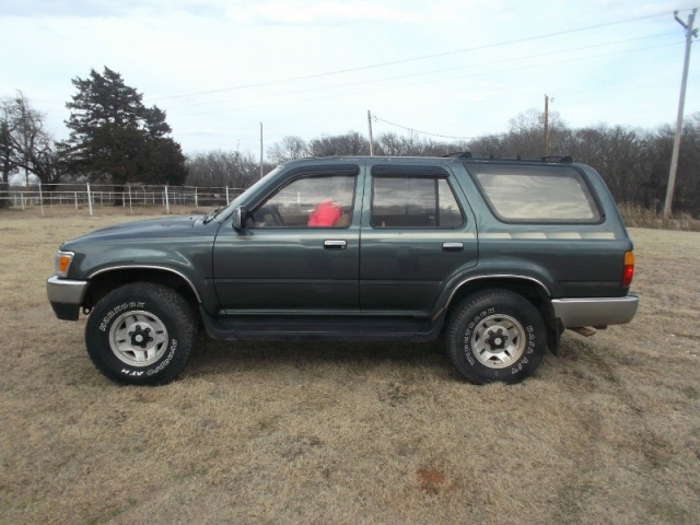 1992 toyota 4runner 4x4 inventory buzzzmotors auto. Black Bedroom Furniture Sets. Home Design Ideas