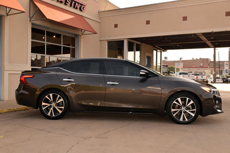 2016 Nissan Maxima Platinum: 2016 Nissan Maxima 3.5 Platinum, 1-Owner, Navigation, Moonroof, Leather, More!
