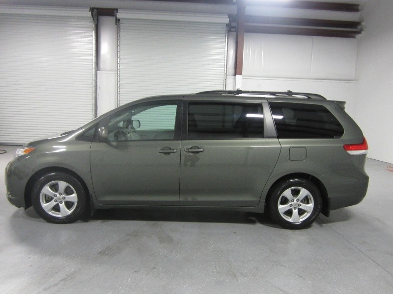 Bluetooth 8 Passenger Used Toyota Sienna For Sale In