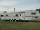 Belair 40ft 5th Wheel Travel Trailer 2000