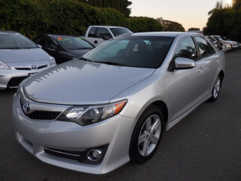 2012 Toyota Camry SE 4D Sedan Up for sale is a sublime 2012 Toyota Camry SE that is Silver in colo