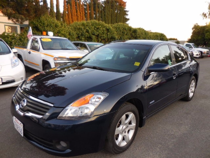 2008 Nissan Altima Hybrid 25 S We are proud to offer a clean 2008 Nissan Altima Hybrid that is