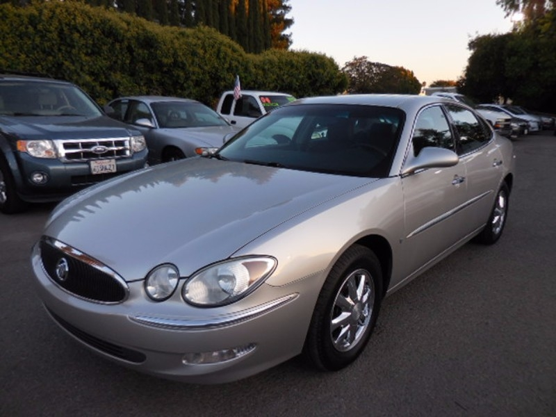 2006 Buick LaCrosse CXL 4dr Sedan We are pleased to offer a striking 2006 Buick LaCrosse CXL that