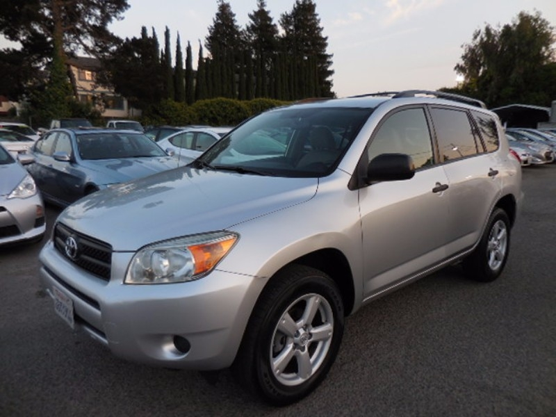 2008 Toyota RAV4 Base 4dr SUV 4WD Now for sale is a terrific 2008 Toyota RAV4 4WD that is Silver