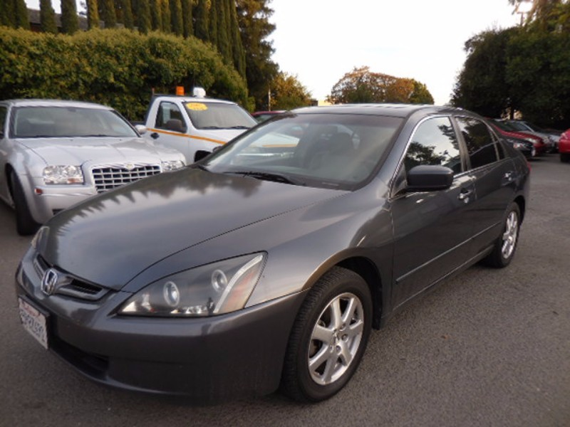 2005 Honda Accord EX V-6 Sedan AT We are pleased to offer a delightful 2005 Honda Accord EXL with