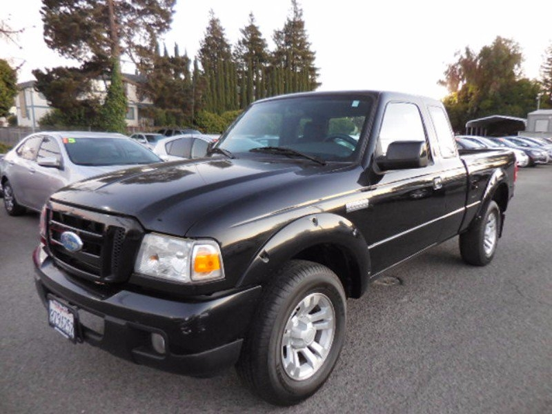 2007 Ford Ranger XL SuperCab 2WD Now offering a nice 2007 Ford Ranger that is Black in color and t