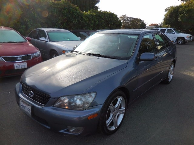 2005 Lexus IS 300 Automatic We are excited to offer a superb 2005 Lexus IS 300 that is Blue in c