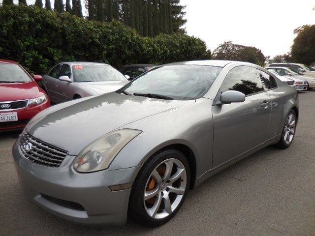 2004 Infiniti G35 Coupe We are excited to offer a sublime 2004 Infiniti G35 6sp sporty with low mi