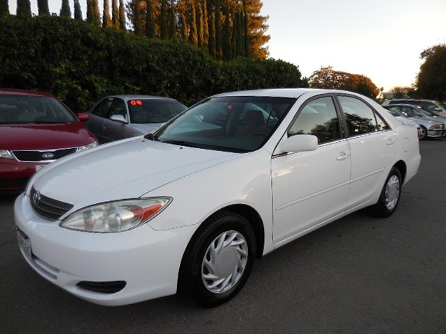 2004 Toyota Camry LE This is an immaculate one owner 2004 Toyota Camry LE that is White in color a