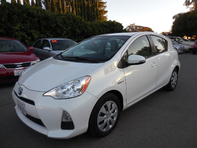 2013 Toyota Prius c One Now offering this fantastic 2013 Toyota Prius c One that is White in col