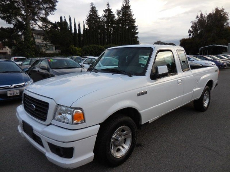 2007 Ford Ranger STX SuperCab 2WD We are pleased to offer a clean 2007 Ford Ranger Edge SuperCab 2