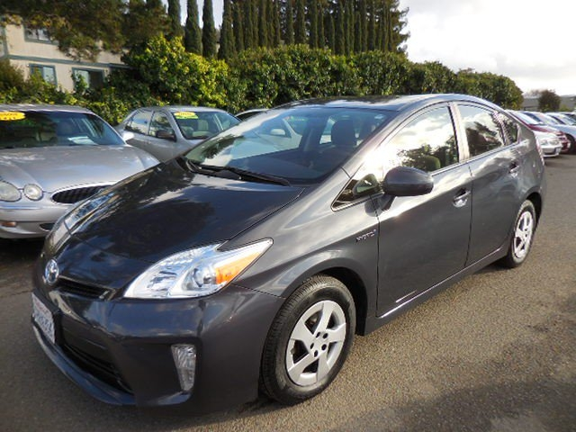 2015 Toyota Prius II 4D Hatchback We are proud to offer a great 2015 Toyota Prius II 4D Hatchbac