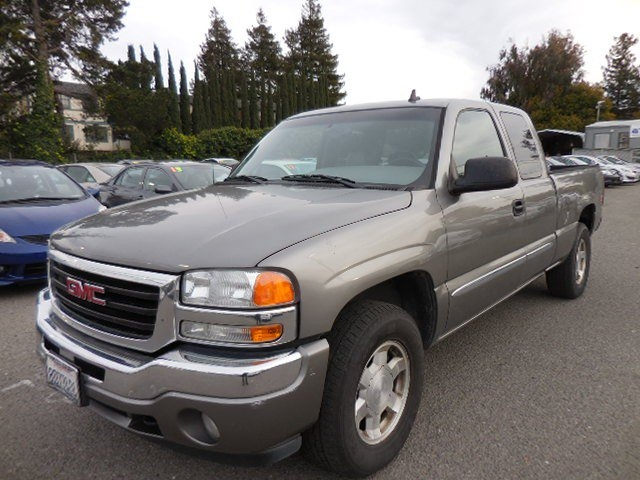2006 GMC Sierra 1500 SL Ext Cab Long Bed 4WD We are excited to offer this fantastic one owner 2