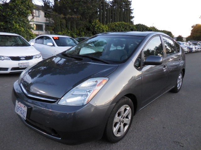 2007 Toyota Prius 4-Door Liftback We are proud to offer a striking 2007 Toyota Prius 4-Door Liftba