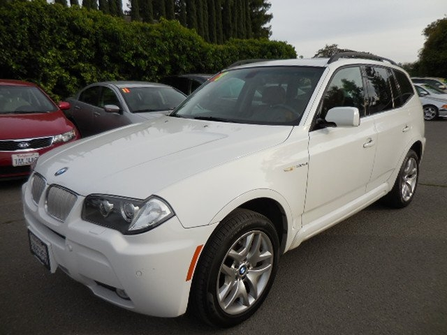 2008 BMW X3 30si Up for sale is an excellent 2008 BMW X3 30si that is White in color and that in