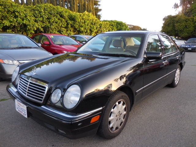 1999 Mercedes E-Class E320 Now offering a sublime one owner 1999 Mercedes-Benz E-Class E320 with o